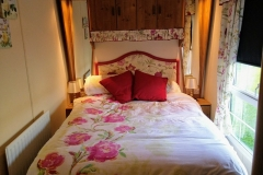 cosy-cottage-caravan-double1