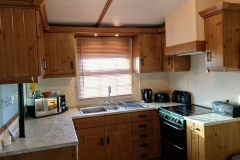 cosy-cottage-caravan-kitchen3