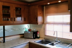 cosy-cottage-caravan-kitchen5